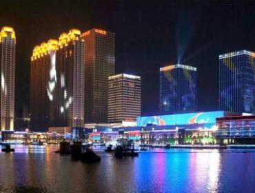 湖景夜色图